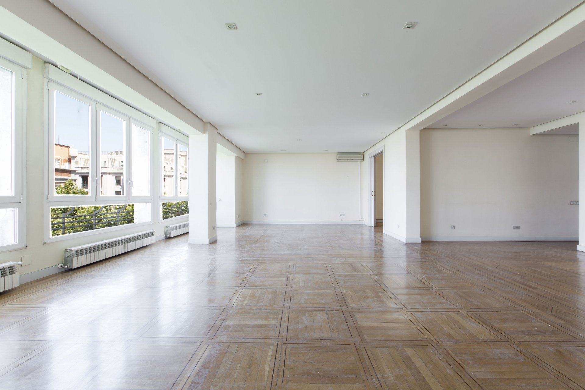 Anuncio alquiler piso madrid recoletos 28000 john taylor for Piso madrid alquiler