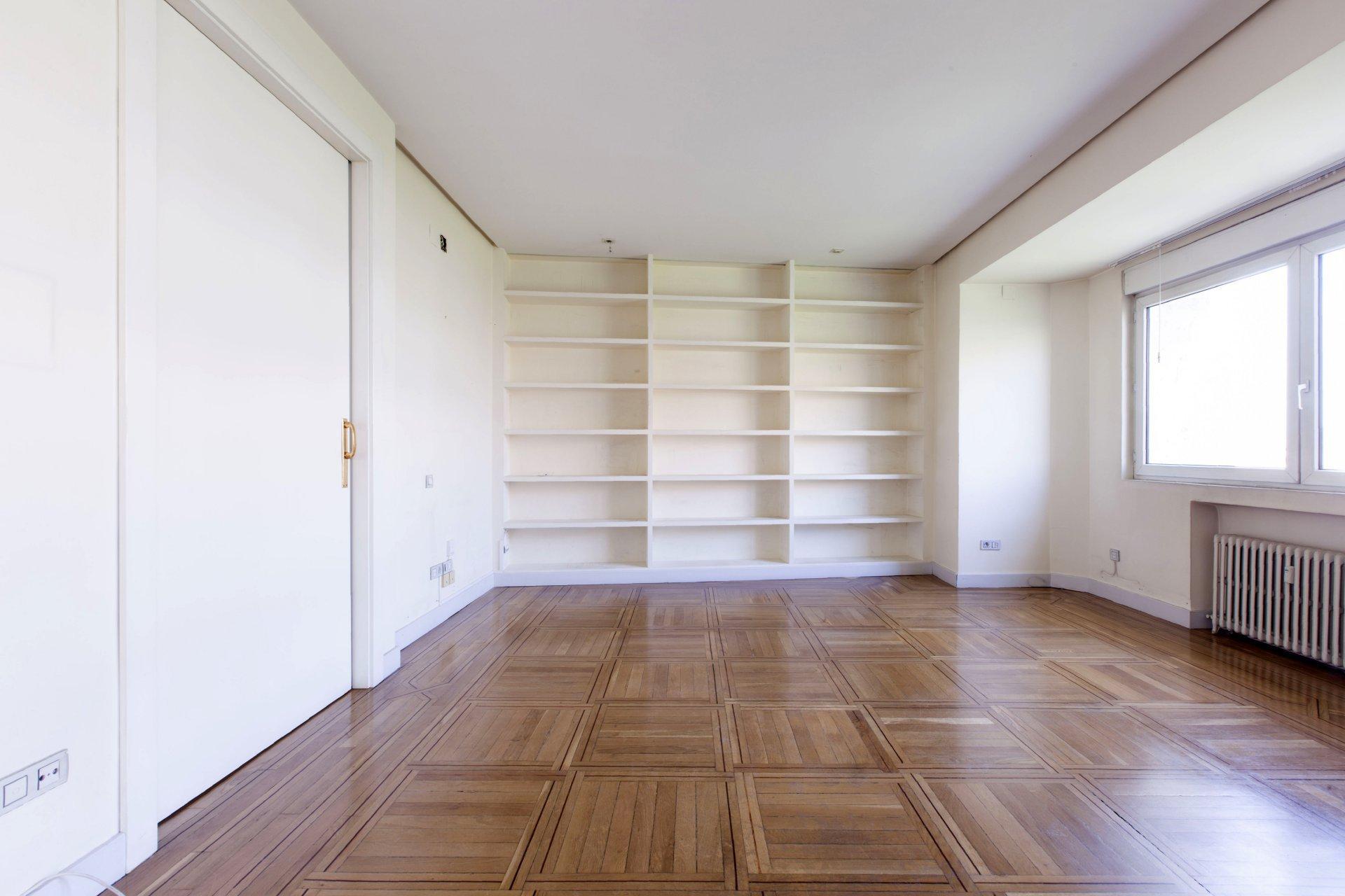 Anuncio alquiler piso madrid recoletos 28000 john taylor for Alquiler pisos madrid moncloa