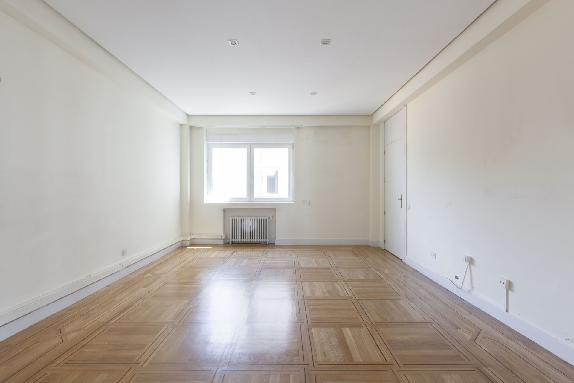 Anuncio alquiler piso madrid recoletos 28001 john taylor - Alquiler piso amorebieta ...