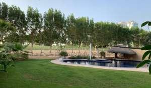 Venta Villa The Lakes
